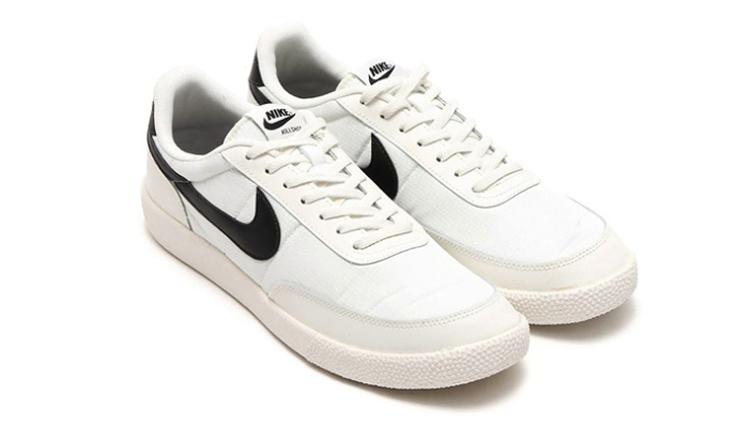复古鞋款一直深受大家的喜爱与热捧。不是现代科技不好,而是复古更加具有那么一点韵味。因此各家品牌亦在努力发掘以往的鞋款,将古老当时兴进行到底!本回的主角就是Nike Killshot VNTG,这一次可以说是它的回归之作,毕竟很长一段时间没有看到它的身影了。然而Nike聪明地选用黑白这样的百搭配色,必然是一个保险的配色方案。Nike Killshot VNTG以复古运动鞋必备的皮革与尼龙材质作为主题材质,以白色作为主体配色,用黑色的swoosh logo作为点睛。在结合vintage感十足的淡黄色中底。一看