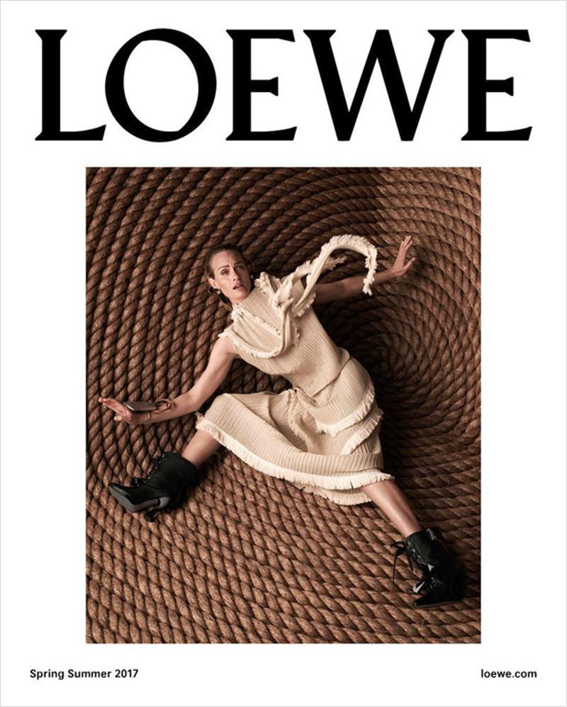 Loewe 海報